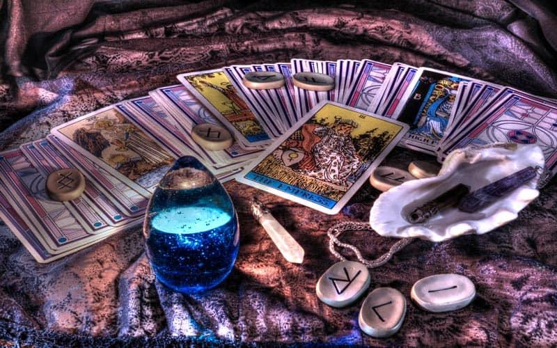 Tarot Karta - Desetka Diskova